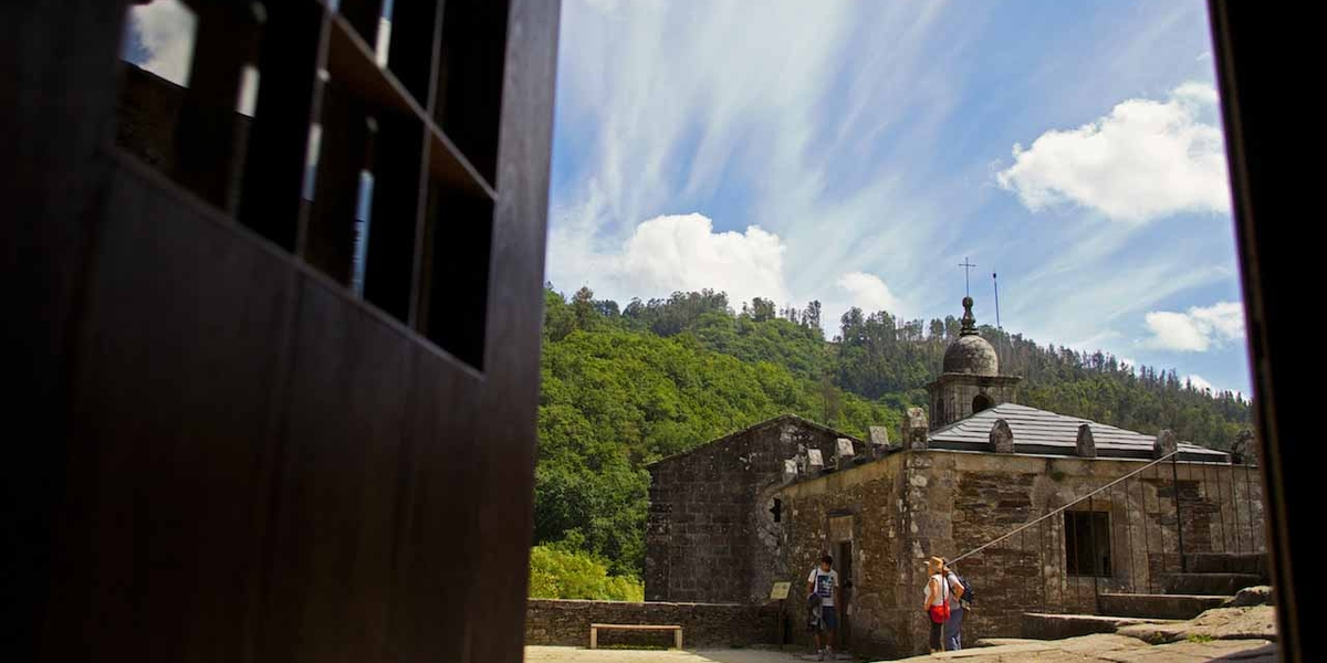Mosteiro de Caaveiro (A Capela)